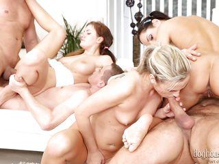 Реальное групповое порно
